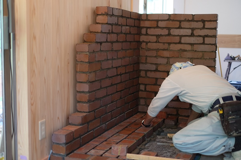 軽井沢の職人|煉瓦積み